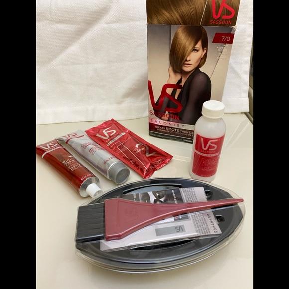 🦋4/$20 VS Salonist 7/0 Dark Neutral Blonde NIB